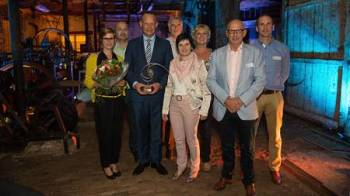 Magnetrol employees accept the Voka Ambassador election. From left to right: Katrien Geerinckx, Johan Vanderyse, Marc Baert, Geert de Ruysscher, Maddy de Loose, Ann Robberecht, Paul D'Hoey and Steven Decrock.
